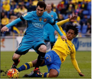 Mauricio Lemos against Barcelona